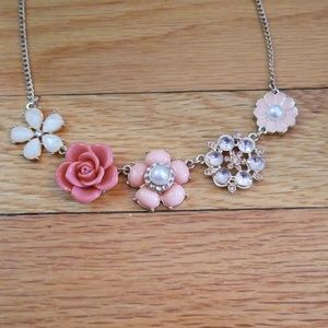 Lauren Conrad LC Simple Floral Statement Necklace